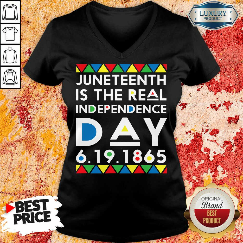 Hot Juneteenth Is The Real Independence Day  V-neck